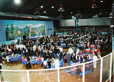 View of the transformed sports hall! Who would have thought that the ice of the ice-rink is only five centimetres below the guests' feet?