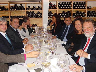 ą droite au premier plan son Excellence Monsieur Di Leo, ambassadeur d'Italie au Danemark.