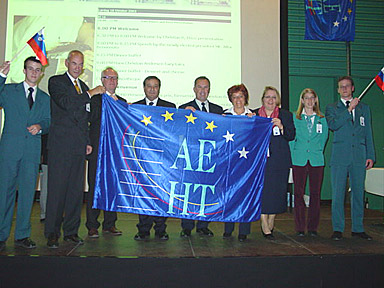 The representatives of Copenhagen handed the flag to those of Bled
